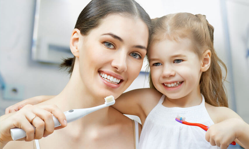 tips-for-selecting-the-right-toothpaste-type-for-your-family